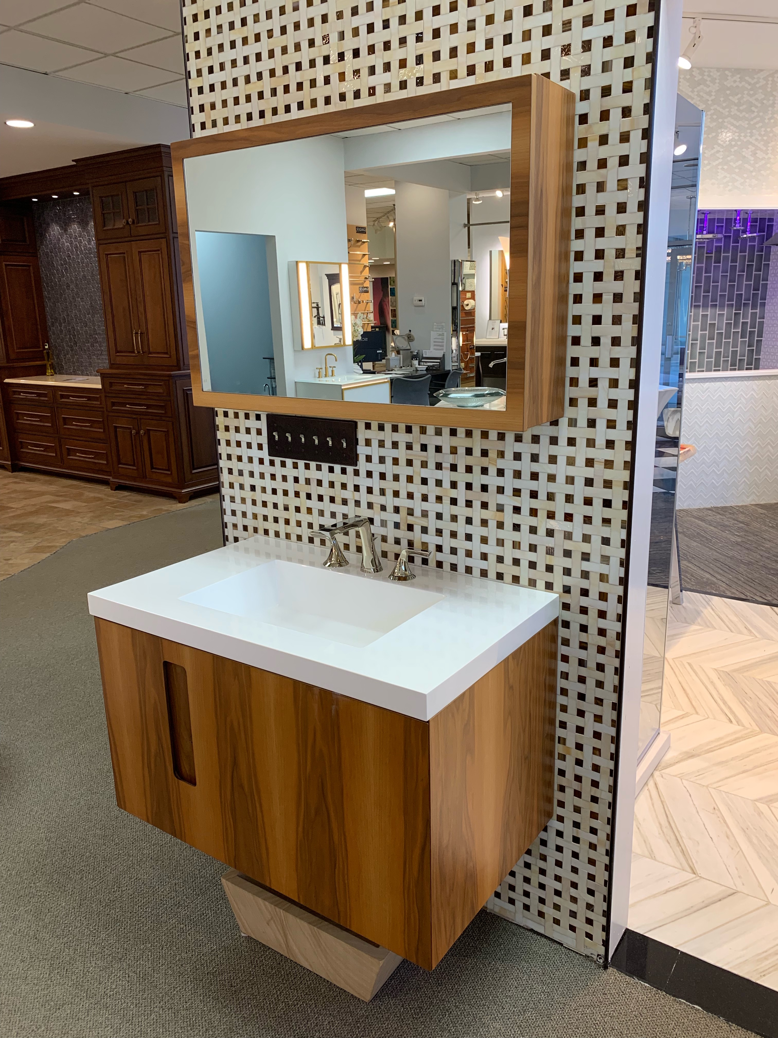 36×24 Furniture Guild Wall Lift Up Wall Hung Mirrored Medicine Cabinet